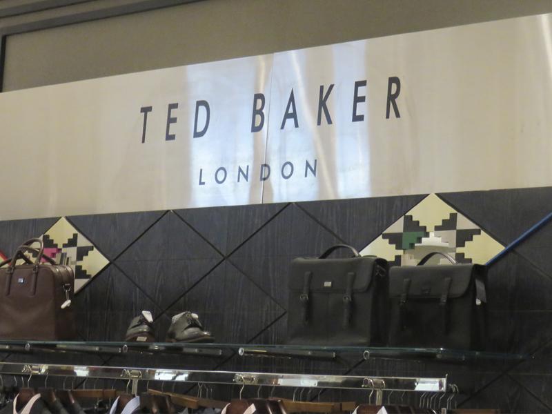 TED BAKER EN MÉXICO DE LA VOZ DE FIONA ZEMAN